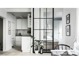 Чёрная лофт перегородка для зонирования спальни и кухни