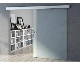 Раздвижные стеклянные двери серого цвета.