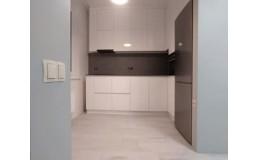 Кухня с крашенными фасадами МДФ до потолка – новинка от Е-мебель