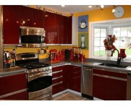 Элитная красная кухня с окном