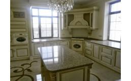 Элитная угловая кухня, с МДФ патина высокого качества