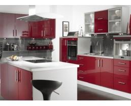Красная кухня с островом, угловые кухни