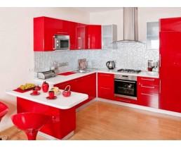 Красная угловая кухня с крашеными фасадами