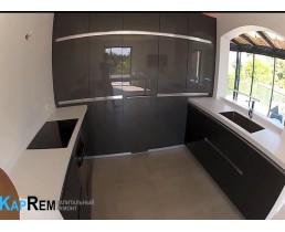Кухня на заказ с акриловыми фасадами Metalic Antracit. Видео!