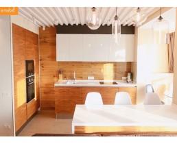 Кухня под заказ. Фасады ДСП Еггер и МДФ  белый глянец. Видео