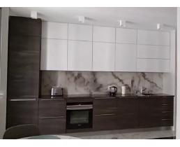 Современная кухня в потолок. Фурнитура Hettich