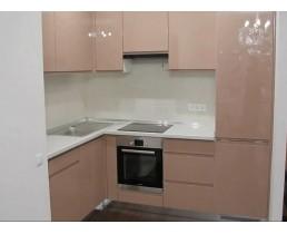 Угловая кухня с глянцевыми крашеными фасадами  МДФ Cappuccino