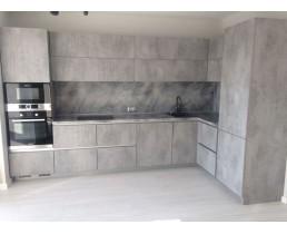 Кухня на заказ в стиле Loft, с фасадами 4298 SU Ателье светлый и фурнитурой  Blum
