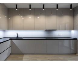 Кухня на заказ с акриловыми фасадами AGT 7368 Cappuccino глянец. Фурнитура Blum